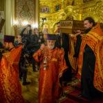 Во время торжественного изнесения святых мощей священномученика Александра Флегинского
