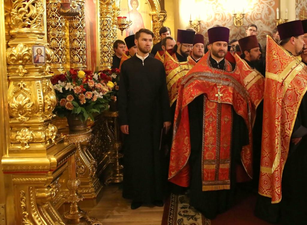 Председатель Комиссии по канонизации святых священник Андрей Небавский и секретарь Комиссии Никита Кияшко