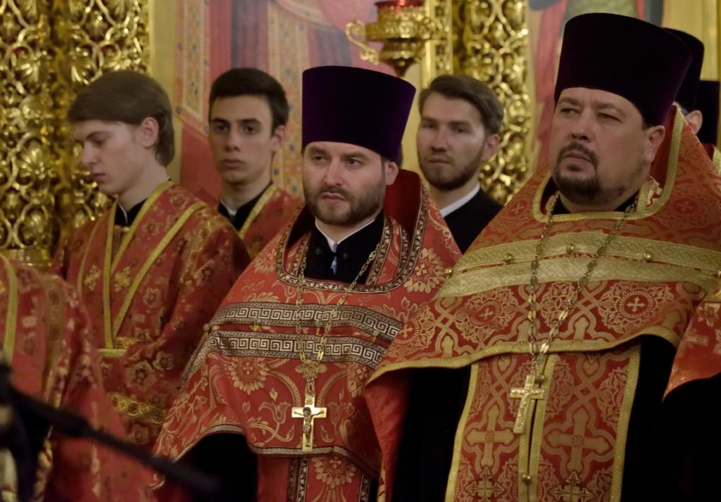 Во время торжественного всещного бдения. Священник Андрей Небавский